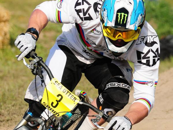 Australia's Jared Graves on his way to first place in the Sea Otter downhill
