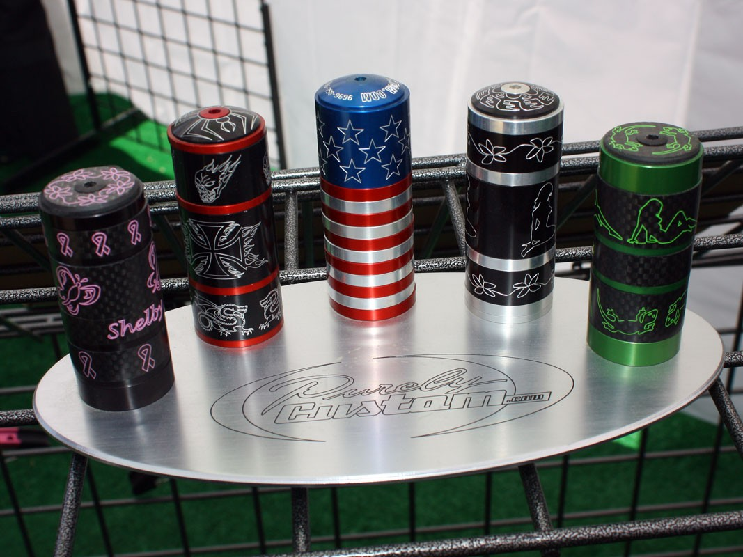 Headset spacers in both anodized aluminium and carbon fibre can be decorated to your liking