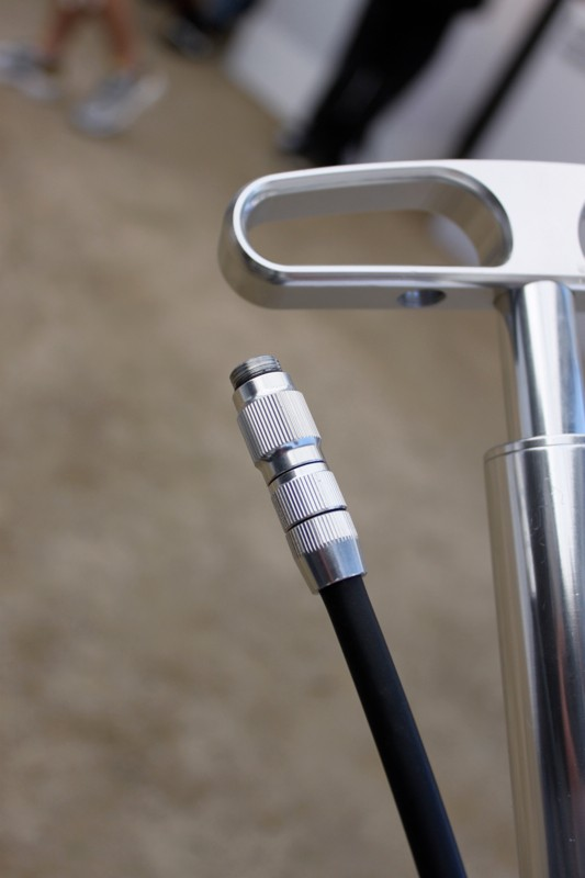 The handle and chuck of Lezyne's new Travel Floor Drive