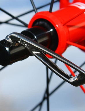 The included skewers produce excellent clamp force for a given amount of closing pressure, unlike many skewers that use external cams