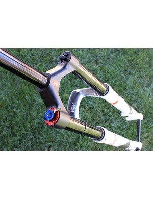 The new DT Swiss XMM fork with Twin Shot damper and travel ranging from 100mm to 140mm.