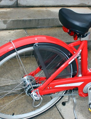 Standard fenders, side guards and chain covers keep users from getting dirty.