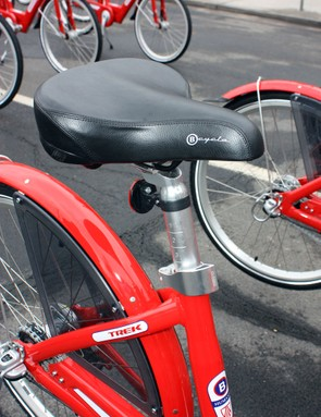 The quick-release seatpost allows for quick height adjustments while a stop at the bottom of the post prevents theft.