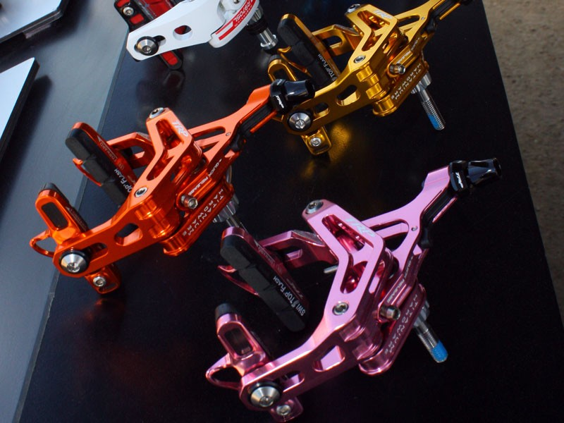 TRP will now offer their lightweight and powerful R960 road callipers in several anodised colours