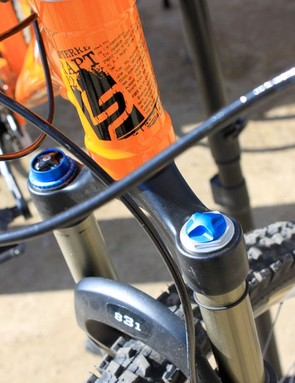 The headtube is robust, but fits a standard 1-1/8in steerer.