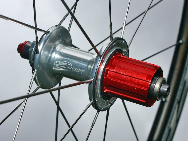 The new 404 Carbon Clincher will use Zipp's now-familiar 88/188 hubs.