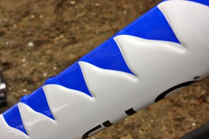 The blue swatches on the down tube are meant to highlight the surface shaping – which is presumably there to reduce aerodynamic drag