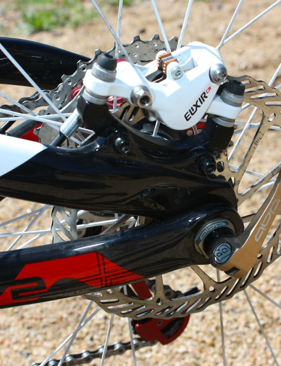 Active Braking Pivot dropouts and carbon disc tabs are fitted to the rear end