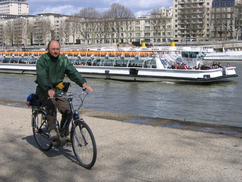Cyclists could soon enjoy more traffic-free riding by the Seine in Paris