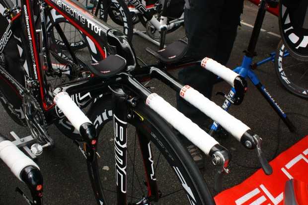 BMC created a special front end for Cadel Evans' Time Machine TT01 to accommodate his unusually low position