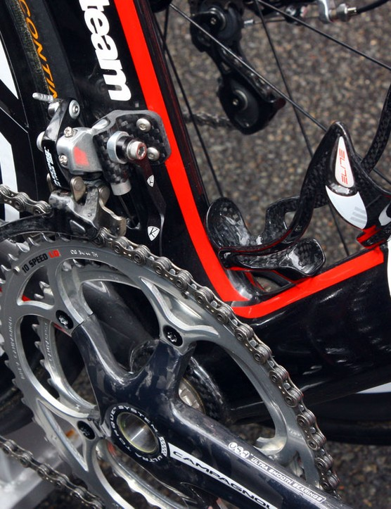 An AceCo K-Edge chain watcher is mounted to the carbon fibre derailleur tab
