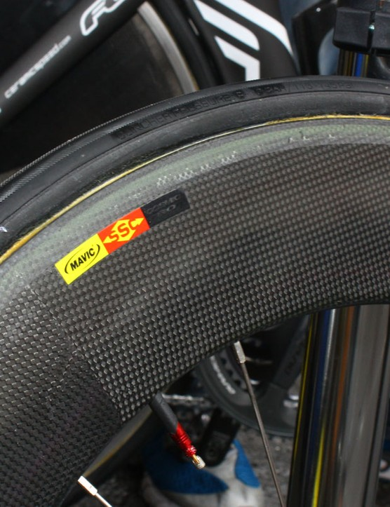 Two things are interesting in this image: the 'Cosmic Pro' moniker that's been blacked out with marker (which may or may not be just a recycled decal from yesteryear) and the 'clincher pressure' rating on the tubular tyre