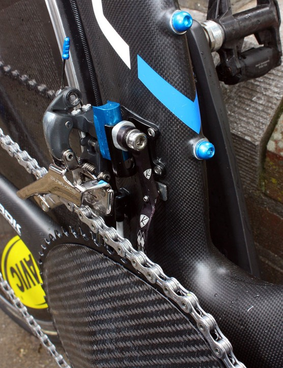 AceCo has provided the Garmin-Transitions team with the latest iteration of its K-Edge chain watcher, complete with an adjustable set screw and stick-on metal pad to provide absolutely secure positioning.