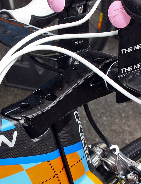 The aluminium stem on David Millar's (Garmin-Transitions) new Felt DA is clearly a machined prototype but we expect the production version to be either a forged aluminium piece or maybe even molded carbon fibre when it's officially unveiled later this month at the Tour of California.