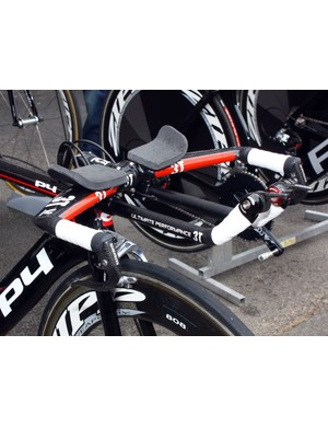 3T have revised the moulds on their aero bars to make them UCI-compliant