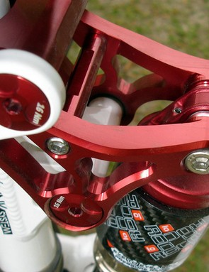 The Agile features Labyrinth's Adapt Link suspension design, which is designed to be super-supple on the small stuff but handle the big hits while still feeling like it has bottomless travel
