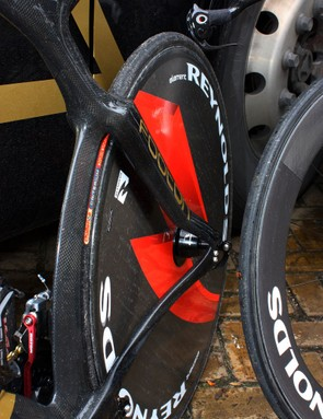 The deep seatstays stay close to the sides of the rear wheel before making an abrupt jog out to the dropouts