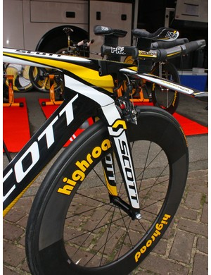 The front end of Marco Pinotti's Scott Plasma 3 boasts clean lines for fast aerodynamics