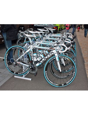 Ag2R's Kuota KOM machines lie in wait prior to the start of Stage 3