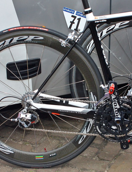 Carlos Sastre (Cervelo TestTeam) is using a SRAM Red transmission plus a 3D crank and Q-Rings from Rotor