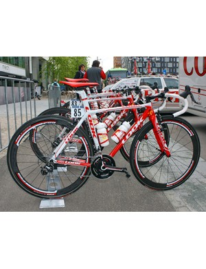 Cofidis continue to soldier on with their trusty Look 595 lugged carbon machines