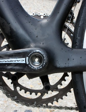 Canyon extends the down tube just a bit further past the bottom bracket shell on its new Aeroad CF.