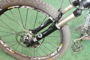 We rode the SID RLT with tapered alloy steerer and 15mm thru-axle.