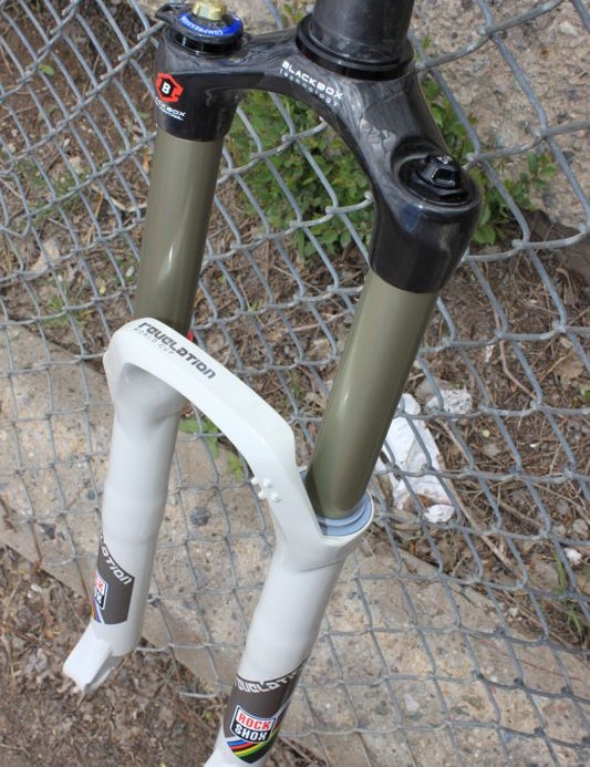 Revelation World Cup; the 20mm thru-axle model uses existing lowers, thus doesn't have the integrated cable mount.