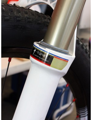 Specialized team mechanics look to have custom-tuned this fork especially for Stander