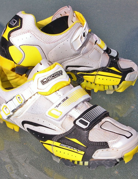 Scott's Team Issue MTB shoes are appropriately stiff, lightweight and ventilated for cross country riding