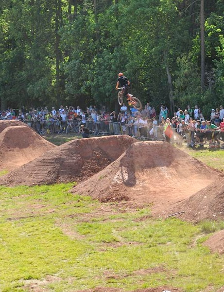 The King of Dirt comp will hit BikeRadar Live this year. Here's a pic of last year's MBUK Dirt Jump Invitational