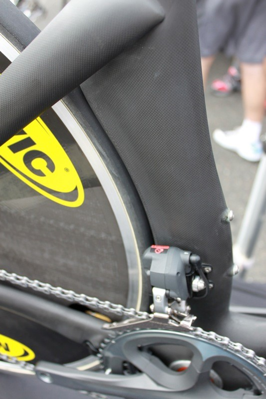 The seat tube kicks at its edge to push air out before it hits the rear wheel.