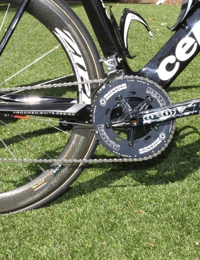 A SRAM Red drivetrain is suplemented with Rotor's 3D Road crank and new Pro Q rings.