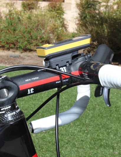 Bos uses a 140mm ARX Team alloy stem from 3T.