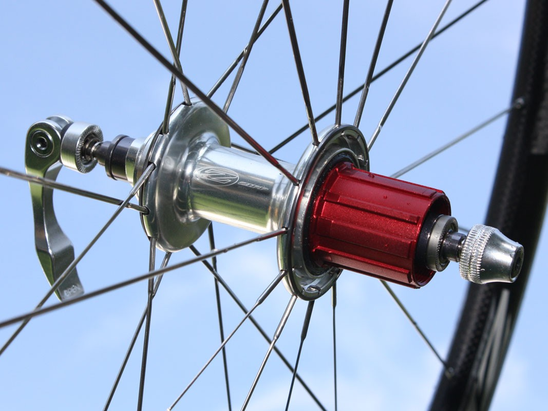 Claimed rear hub weight is just 188g.  Alloy freehub bodies are easily interchangeable for different drivetrains