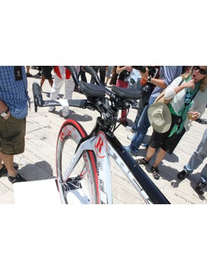 The 7 Series bikes feature a standard head tube
