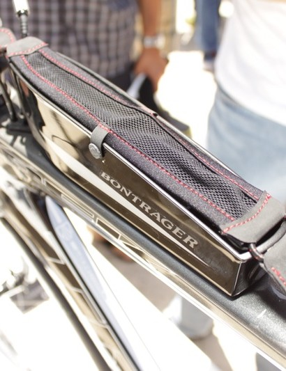 The SpeedBox offers a clean and aero solution to top tube storage