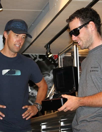 Oakley's Pat McIlvain presented Mark Cavendish with a limited edition Time Bomb II watch  to commemorate his 25 ProTour wins in 2009