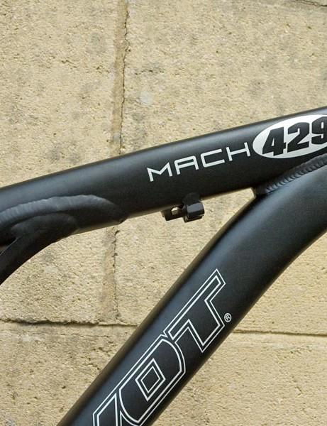 Pivot Mach 429