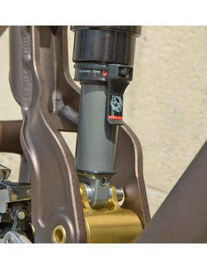 Useful addition to the rear shock will help with shock pressure setup