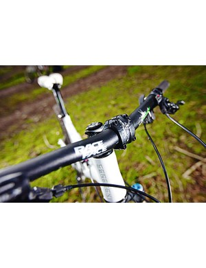 RaceFace's Respond bars are 711mm wide and offer plenty of control