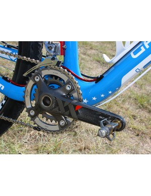 175mm-long SRAM XX crankarms are fitted with 39/26T chainrings.
