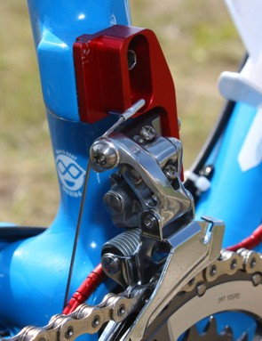 Another T25 titanium Torx bolt is found on the front derailleur cable anchor.