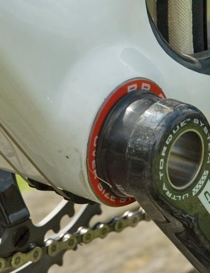 BB30 bottom bracket is used