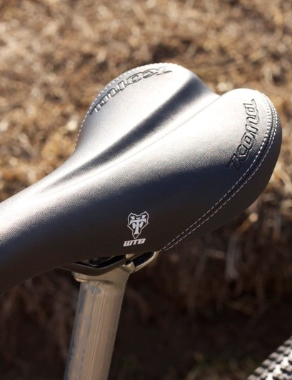 The WTB Rocket V saddle is embossed with the Kona name, which is an elegant touch