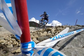 Dan Atherton (Commencal) tears up the downhill course