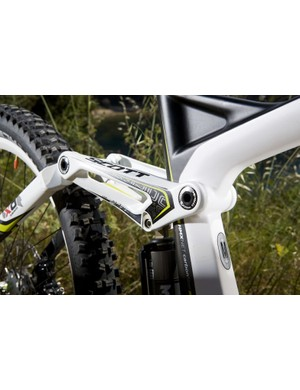 A 'travel chip' at the shock mount allows the rider to swap between a low and high bottom bracket setting