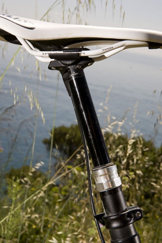 The LT comes equipped with either a new RockShox or Crank Brothers Joplin 4 droppable seatpost, according to model