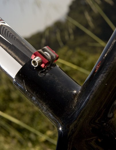Shaving more weight with a beautiful integrated seatpost clamp
