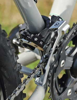 Crisp shifting comes courtesy of the 10-speed chain and reworked shifters